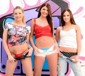 Cassandra Nix, Hope Howell, Dahlia Sky - Deep Throat League 5