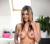 Klarisa Leone - How To Please 7