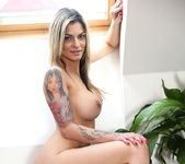 Klarisa Leone - How To Please 12