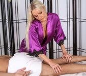 Riley Evans - Knee Problems - Fantasy Massage 3