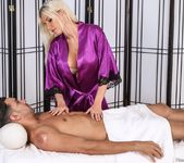 Riley Evans - Knee Problems - Fantasy Massage 4