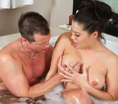 London Keyes - What Are Friends For? - Fantasy Massage 4