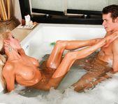 Mikki Lynn, Justin Hunt - Very Forward - Fantasy Massage 4