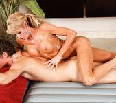 Mikki Lynn, Justin Hunt - Very Forward - Fantasy Massage 11