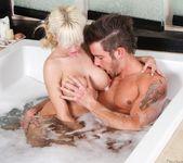Scarlett Monroe - Fix My Back! - Fantasy Massage 3