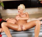 Summer Brielle - Are You A Cop? - Fantasy Massage 8