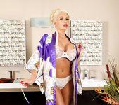Summer Brielle - Are You A Cop? - Fantasy Massage 18