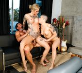 Rachael Madori, Kleio Valentien - Taking A Ride On The Gunn 13