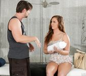 Maddy O'Reilly - Hungry, Horny Housewife - Fantasy Massage 4