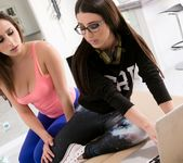 Ashley Adams, Serena Blair - The IT Girl - Fantasy Massage 2
