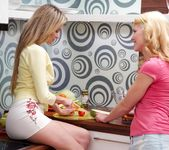 Angel Piaff, Delphine - Kitchen Accident - Girlsway 2
