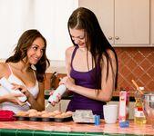 Sara Luvv, Alexis Venton - Cupcake Distraction - Girlsway 15