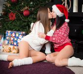 Diva, Ariana - The Mistletoe - Girlsway 4