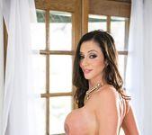 Ariella Ferrera, Veronica Rodriguez - Help My Stepmom 28