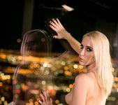 Dahlia Sky, Cadence Lux - Vegas Sins: Part One - Girlsway 28