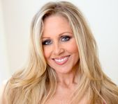 Ann Marie Rios, Julia Ann - Legends and Starlets Volume 04 4