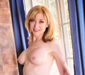 Nina Hartley, Syd Blakovich - Nina Loves Girls #02 21