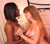 Darla Crane, Wendy Breeze - Lesbian Confessions #04 4