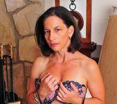 Melissa Monet, Mia Knight - Lesbian Confessions #04 16