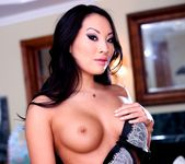London Keyes, Asa Akira - Asa Loves Girls 23