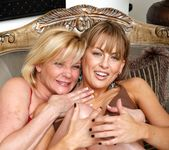 Ginger Lynn, Mia Presley - Ginger Loves Girls 22
