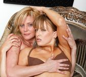 Ginger Lynn, Mia Presley - Ginger Loves Girls 23