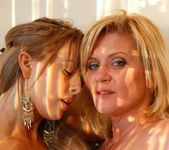 Ginger Lynn, Mia Presley - Ginger Loves Girls 26