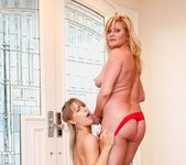 Ginger Lynn, Mia Presley - Ginger Loves Girls 27