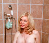 Elexis Monroe, Nina Hartley - Nina Loves Girls 4