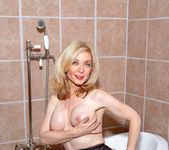 Elexis Monroe, Nina Hartley - Nina Loves Girls 5