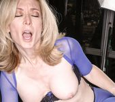 Nina Hartley, Nyomi Banxxx - Nina Loves Girls 10