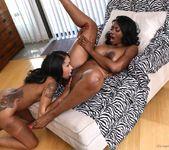 Skin Diamond, Nyomi Banxxx - Lesbians In Charge 10