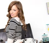 Maddy OReilly - The Neighbors #03 19