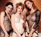 1 Lucky Dick In Multiple Chicks 2