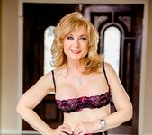 Nina Hartley, Ash Hollywood - Lesbian Hitchhiker #07 16