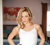 Veronica Avluv, Dahlia Sky - Lesbian Babysitters #10 16