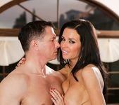 Veronica Avluv - The Swinger #04 25