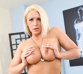 Sadie Swede - Bored Housewives #06 3