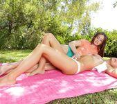 Jessie Andrews, Jodi Taylor - Jessie Loves Girls 5