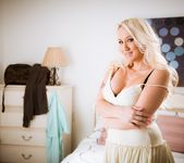 Alana Evans - Mother Exchange #03 17
