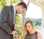 AJ Applegate - The Swinger #06 20