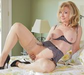 Nina Hartley, Natalia Starr - Mother Lovers Society #13 6