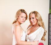Insiatiable Lesbian Curiosities #03 7