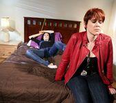 Jelena Jensen, Lily Cade - Prison Lesbians #03 2