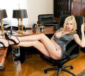 Donna Bell - Aggressive Women - Intense Orgasms #02 2