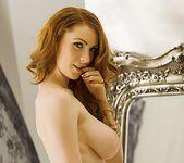 Alice Brookes reflects on her vivid beauty - Spinchix 7