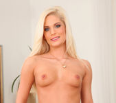 Candee Licious - Blonde Lust - Mike's Apartment 6