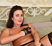 Helena Price - Hot Mom - Anilos 11
