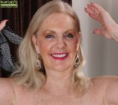 Judy Belkins - older woman showing her pussy 8