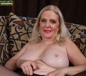 Judy Belkins - older woman showing her pussy 10